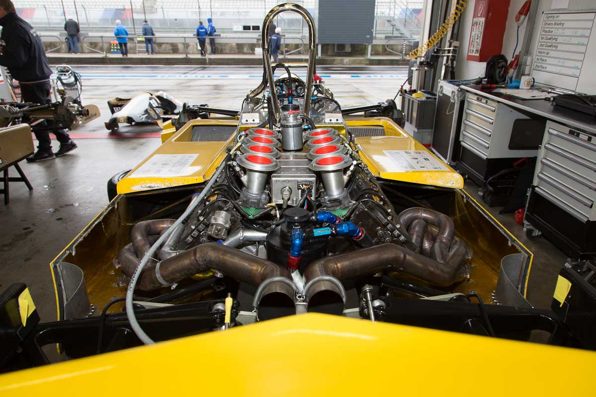Ford Cosworth in Williams FW07B