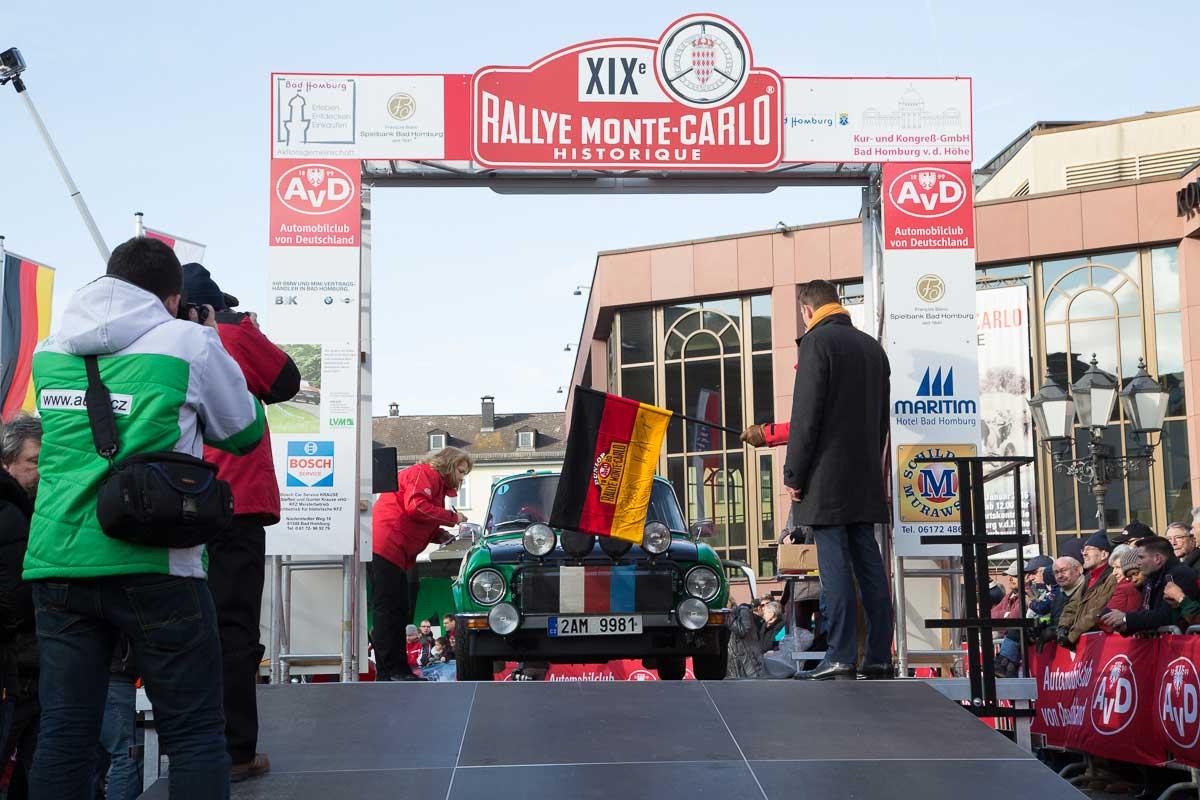 Start der 19. Rallye Monte-Carlo Historique 2016 in Bad Homburg